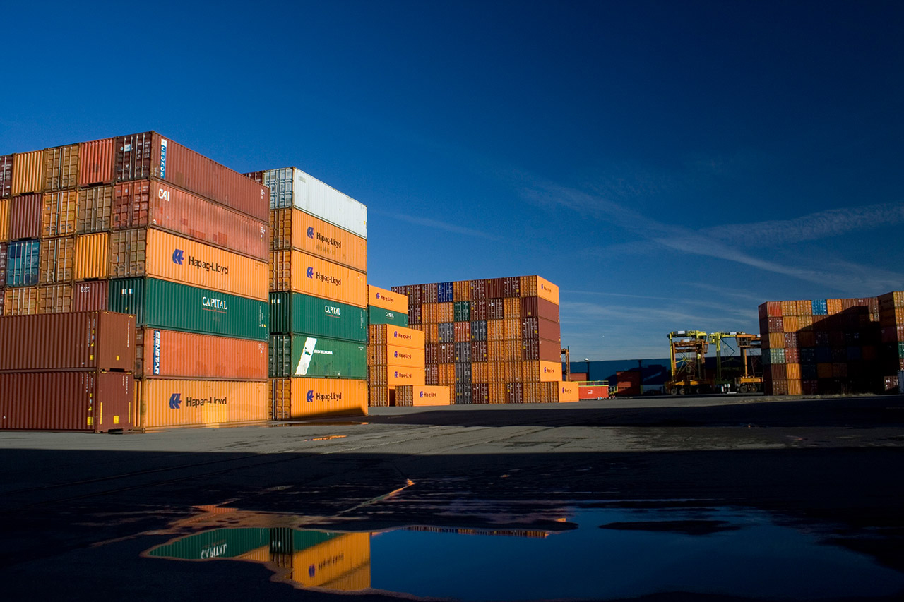 terminal containers Fairview container terminal is a dedicated intermodal facility, purpose built to provide a high-velocity gateway for transpacific container trade.
